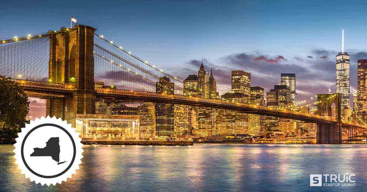 Skyline and bridge in New York.