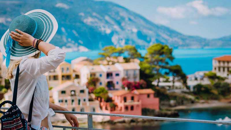 British Tourists to Be Welcomed in Greece Starting July 15