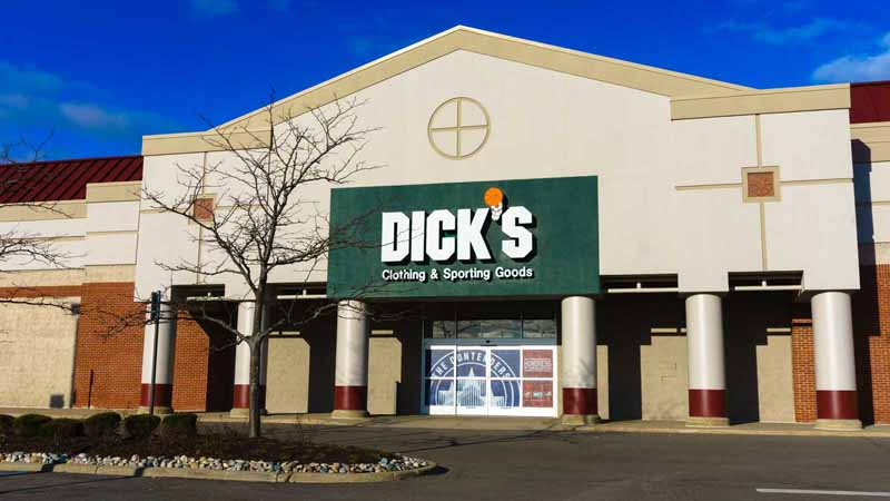 Dick's Clothing & Sporting Goods storefront.