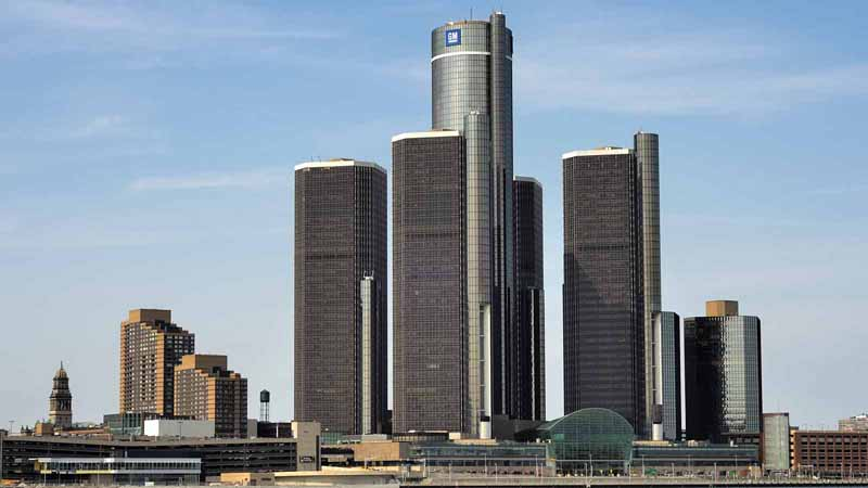Detroit skyline showing the GM world headquarters.