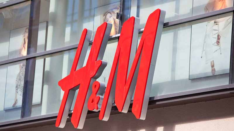 H&M storefront.